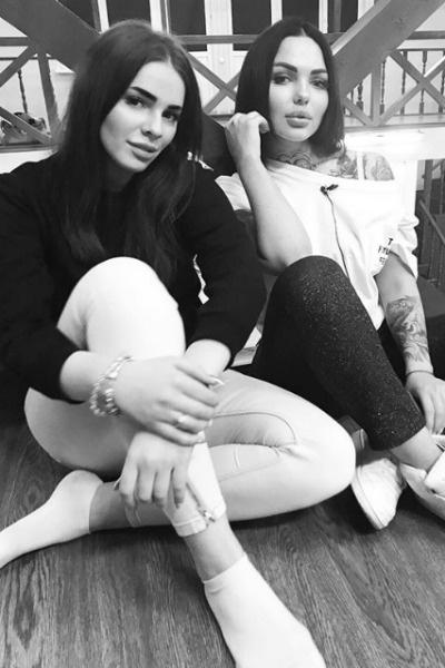 Полина дружила с Таней еще на проекте