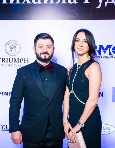 Михаил Галустян с женой Викторией