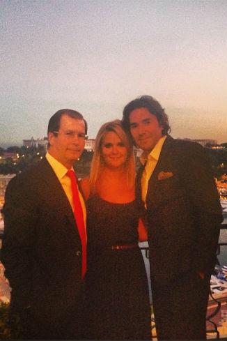 Это фото из Монако моя жена разместила в своем Instagram и подписала: «Мои самые любимые мужчины! Муж и папа!»