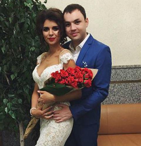 Алиана и Александо Гобозовы с сыном Робертом