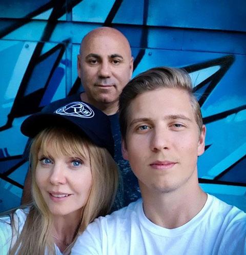 Валерия с сыном Артемием Шульгиным и Иосифом Пригожиным