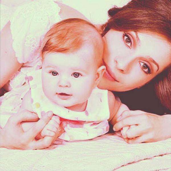 Актриса с маленькой дочерью Полиной