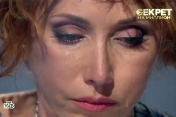 Рассказывая об отце своей дочери, Елена Воробей не смогла сдержать слез