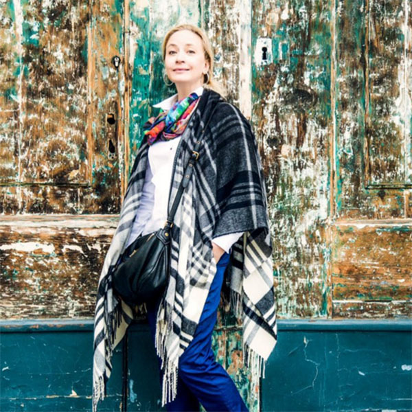 Мама Полины Гагариной Екатерина Мучкаева выглядит просто потрясающе