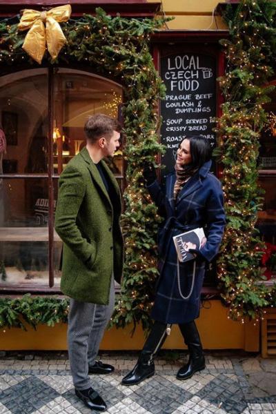 Антон Гусев и Виктория Романец во время отдыха в Праге