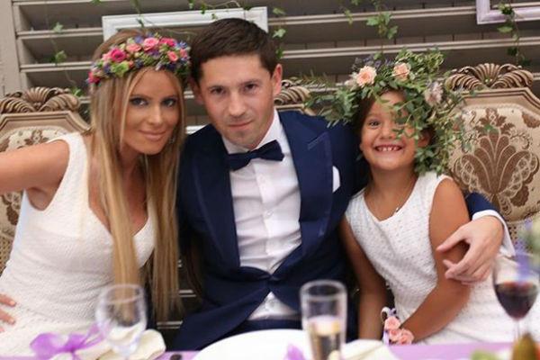 Дана Борисова с мужем и дочерью