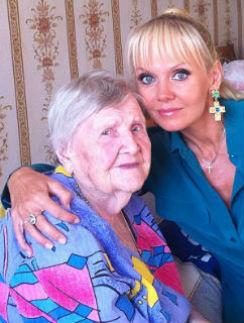 Валерия навещает бабушку при первой возможности