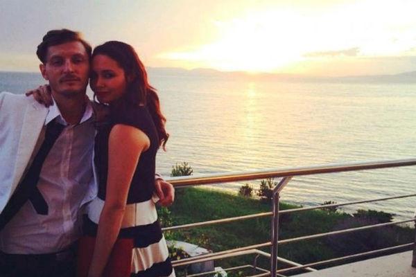 Супруги стараются баловать друг друга романтическими сюрпризами