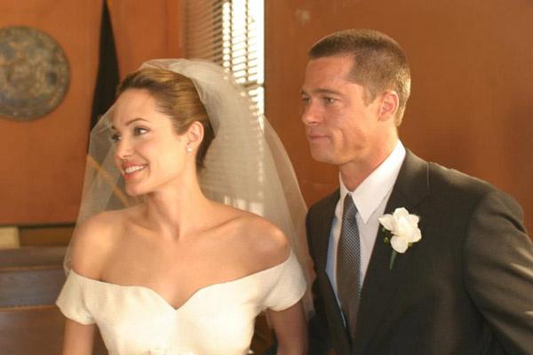 Фату Энджи примерила лишь единожды - на съемках фильма «Мистер и миссис Смит»