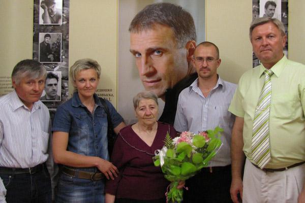 Елена Владимировна на  открытии музея имени сына