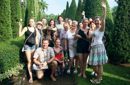 Андрей Малахов с читателями «СтарХита» в Таиланде