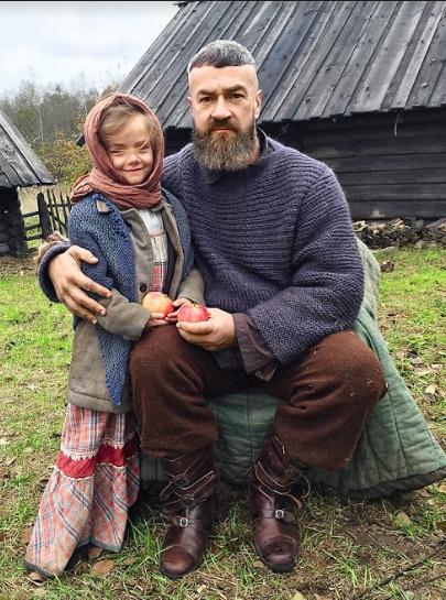 В роли дочери кузнеца Вакулы Василины в трилогии «Гоголь»