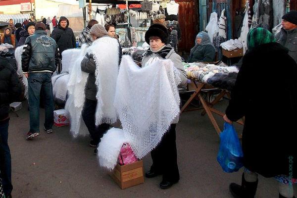 Теплые местные шали - спасение от мороза