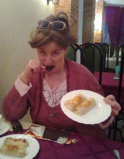 """""""В Брянске на ужин нам предложили блинчики с мясом, но я предпочла шоколад"""""""