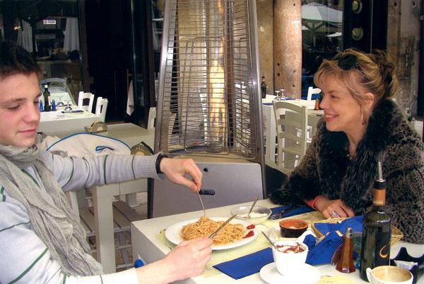 С сыном Андреем на отдыхе в Италии. Март 2013 года