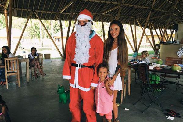 Новый год Айза с семьей встретила на Бали