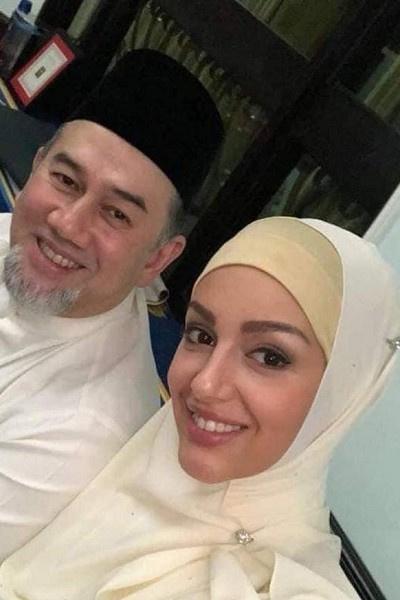 Жена бывшего короля Малайзии впервые показала сына