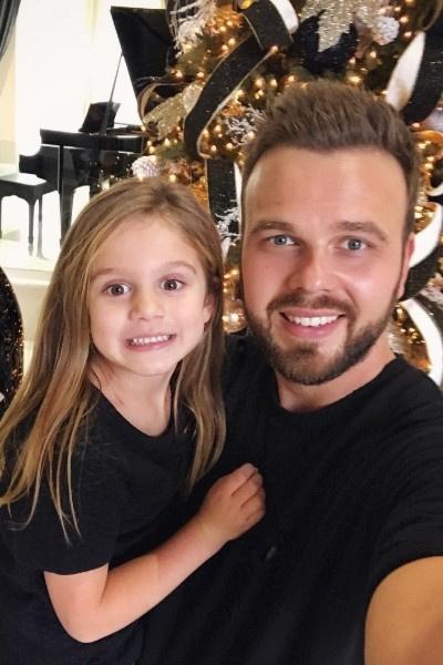 Анна Седокова: «Чувствую, какие-то ниточки рвутся между нами и дочкой Моникой»