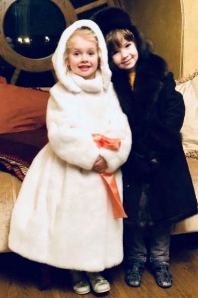 Новогодняя фотография Лизы и Гарри растрогала поклонников