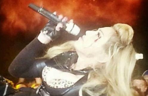Мадонна во время концерта