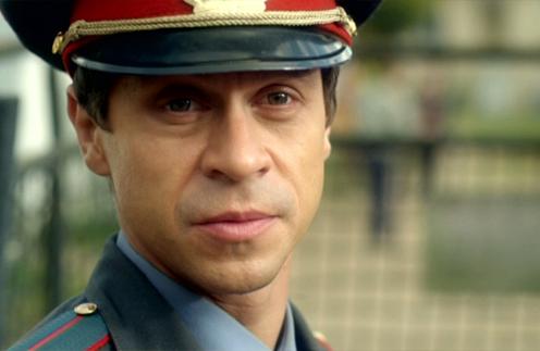 Павел Деревянко в роли старшего лейтенанта полиции Михаила Соловьева