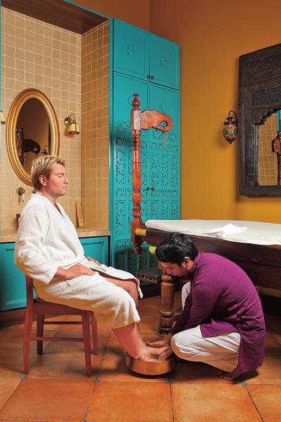 Коле сделали массаж ног – по собственному признанию, спину он доверяет только постоянному массажисту