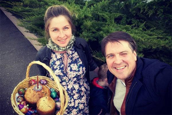 Денис Матросов и его новая любовь Ольга Головина 1 мая стали родителями очаровательного малыша