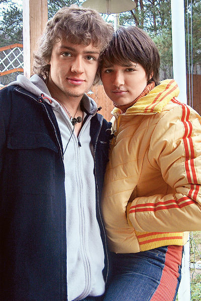 На «Доме-2» Солнце крутила роман с Маем Абрикосовым и даже собиралась за него замуж