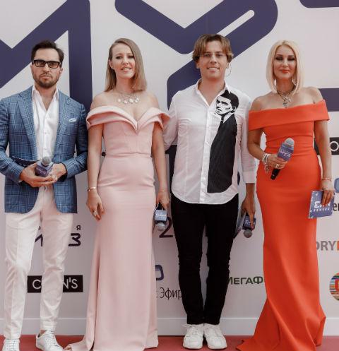 Ведущие премии МУЗ-ТВ 2019