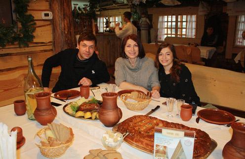 Роза Сябитова с Михаилом Дорожкиным и дочерью Ксенией