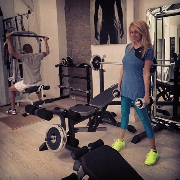 Яна Рудковская занимается спортом