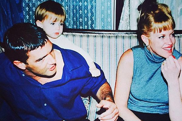 Семья в самом начале большого пути (1997 год)