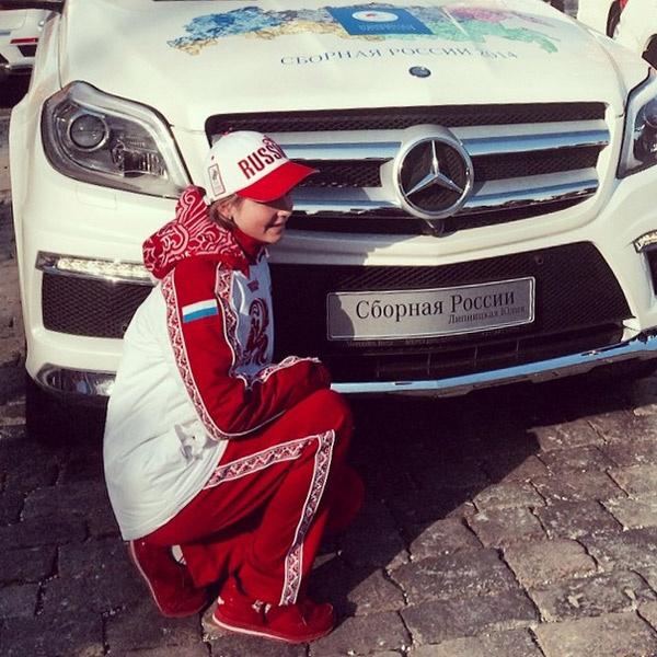 Прав на вождение у Юли Липницкой еще нет