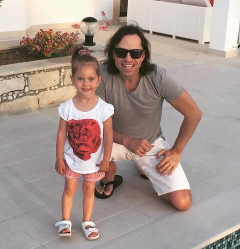 Александр Ревва с младшей дочерью Амели