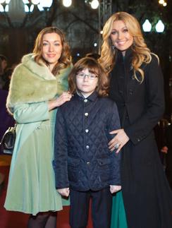 Анжелика Агурбаш с дочерью Дарией и сыном Анастасом