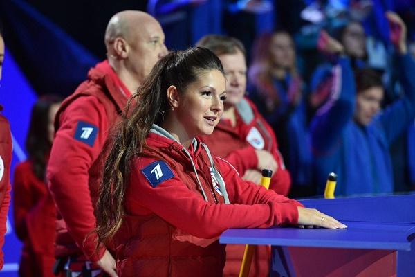 Нюша участвовала в игре «Русский керлинг»