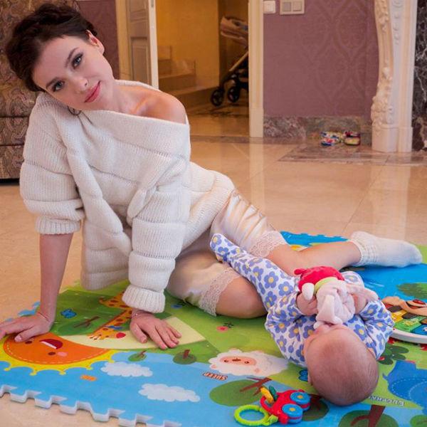Лена все свободное время посвящает дочери