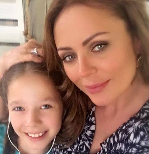 Юлия Началова с дочерью Верой Алдониной