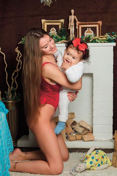 Анна часто публикует фотографии дочери, которая очень похожа на спортсмена
