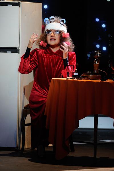 Татьяна Буланова спела «Эй вы там наверху»