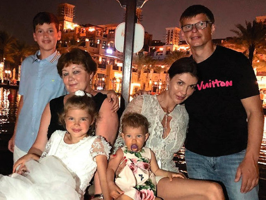 Со стороны семья Аршавина выглядела идеальной