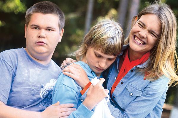 Саша Романов дружит с сестрой Водяновой Оксаной (в центре)