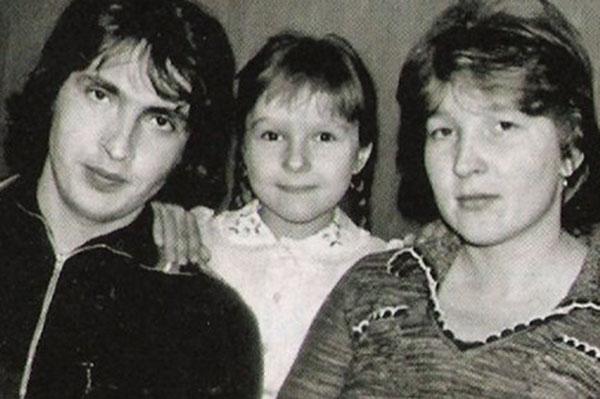 Родители Евгения Плющенко с его старшей сестрой Леной