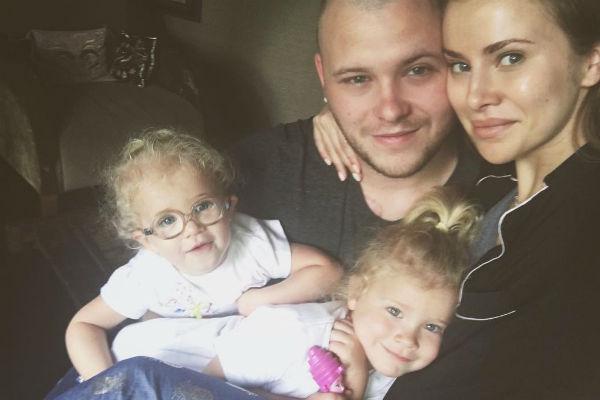 Сергей и Тата воспитывают двух очаровательных дочек