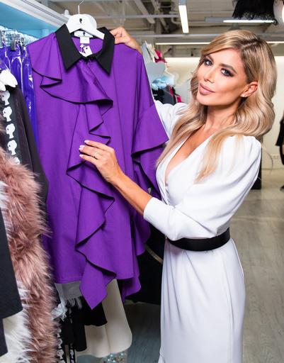 Дизайнер непременно сохраняет ДНК бренда – женственные платья
