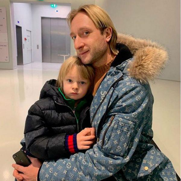 Евгений Плющенко сам тренирует сына Сашу