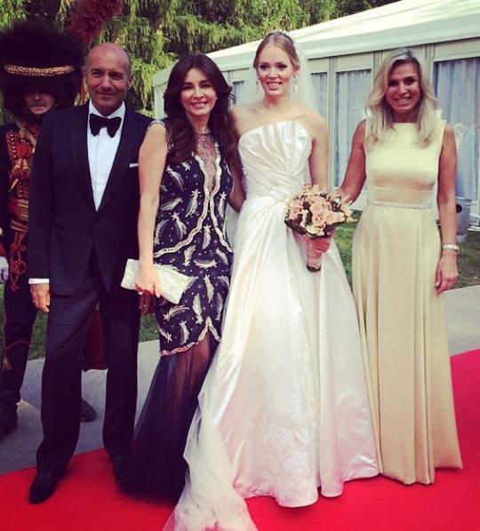 Невеста с четой Крутых и Мариной Юдашкиной