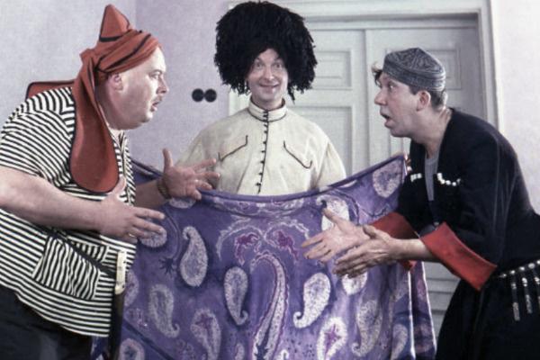 Небывалую известность Евгению Моргунову принесли съемки в комедиях Леонида Гайдая