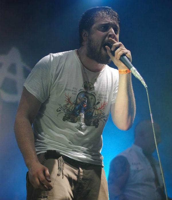 Александр Ильин во время концерта