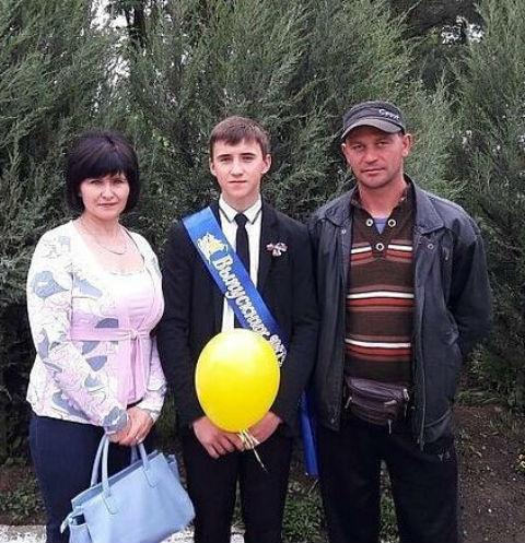 Дима Сенченко не получил аттестат из-за долга в 600 рублей
